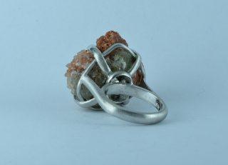 Anello aragonite cristallizzata